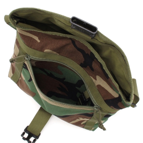 BRIEFING ブリーフィング QL MISSION SHOULDER S ショルダーバッグ Woodland Camo BRF313219-160